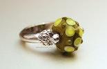 Olive-Kiss Ring mit CIM-Glas-Perle (verkauft Zürich)