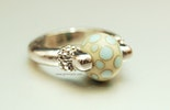 Creamy Ring mit Muranoglas-Perle (gehört jetzt Coni aus Kriens)