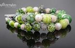 Unikat Halskette mit handgefertigten grünen Glasperlen in verschiedenen grüntönen und Mustern, kombiniert mit Lava/Süsswasserperlen/Silber925 (Bestellung)