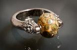 """""""Magic"""" Fingerring mit Muranoglasperle beige und Magic-Effekt (verkauft in Bremgarten am Altstadtmarkt)"""