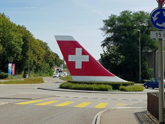 unmittelbar beim Swiss-Kreisel